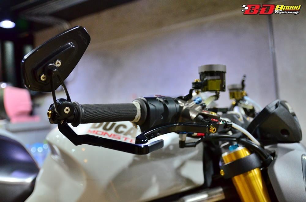 Ducati Monster 1200 do sieu khung voi dan do choi hang hieu - 7