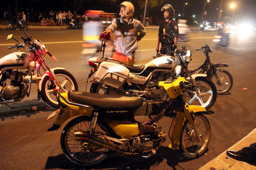 Hang nghin nguoi co vu quai xe dai nao Vung Tau - 3
