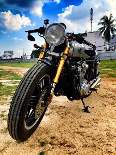 Honda CB750 cafe racer do cuc chat qua ban tay tho Viet - 8
