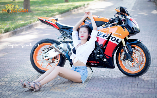 Honda CBR1000RR Repsol day phong cach ben chan dai goi cam - 6
