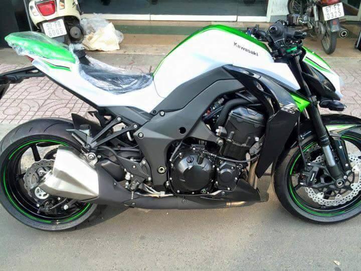 Kawasaki Z1000 2016 phien ban trang ngoc Stardust da co mat tai Viet Nam