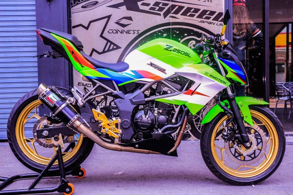 Kawasaki Z250SL do an tuong voi phien ban that noi troi - 8