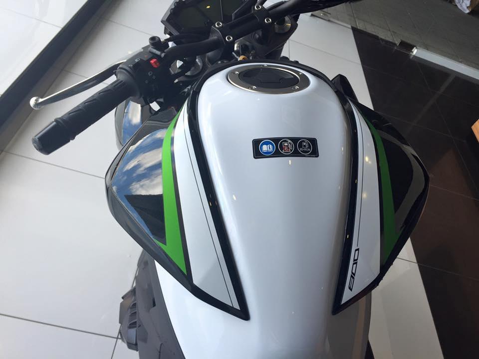 Kawasaki Z800 ABS 2016 chinh thuc duoc ban tai Viet Nam voi gia khong doi - 4