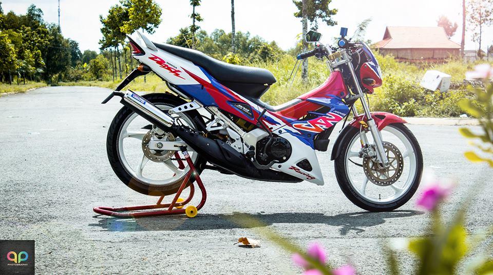 Nova Binh Duong dep manh me voi nhieu do choi va nguyen mau cua honda nova doi 2000 Do Trang Tim