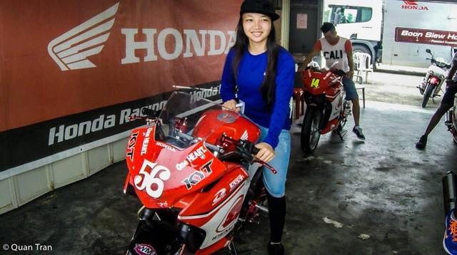 Nu biker 1995 choi xe mo to khien bao anh chang phai ne phuc