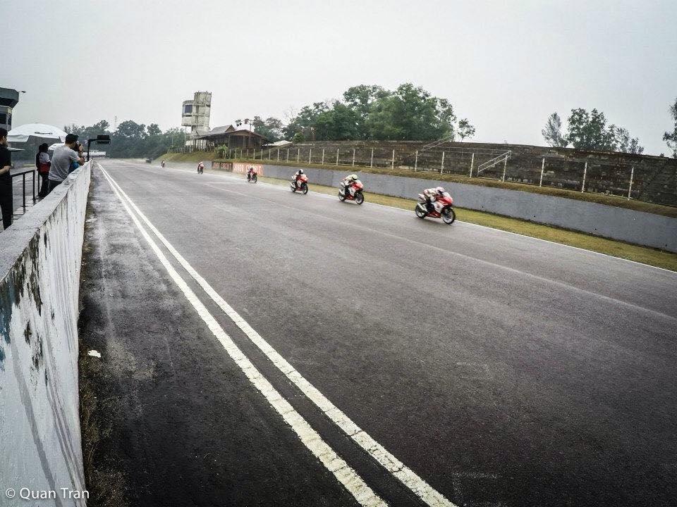 Nu biker 20t cua Viet Nam tai dau truong Quoc Te - 4