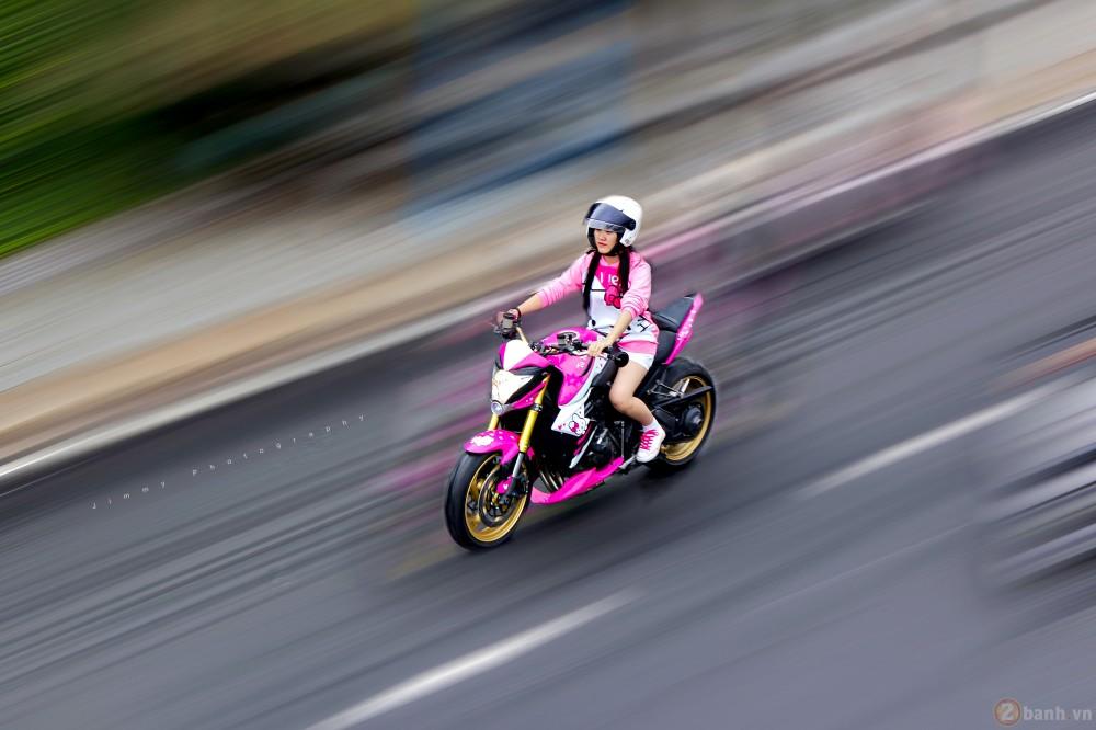 Nu biker tre ben canh CB1000R phien ban Hello Kitty - 2