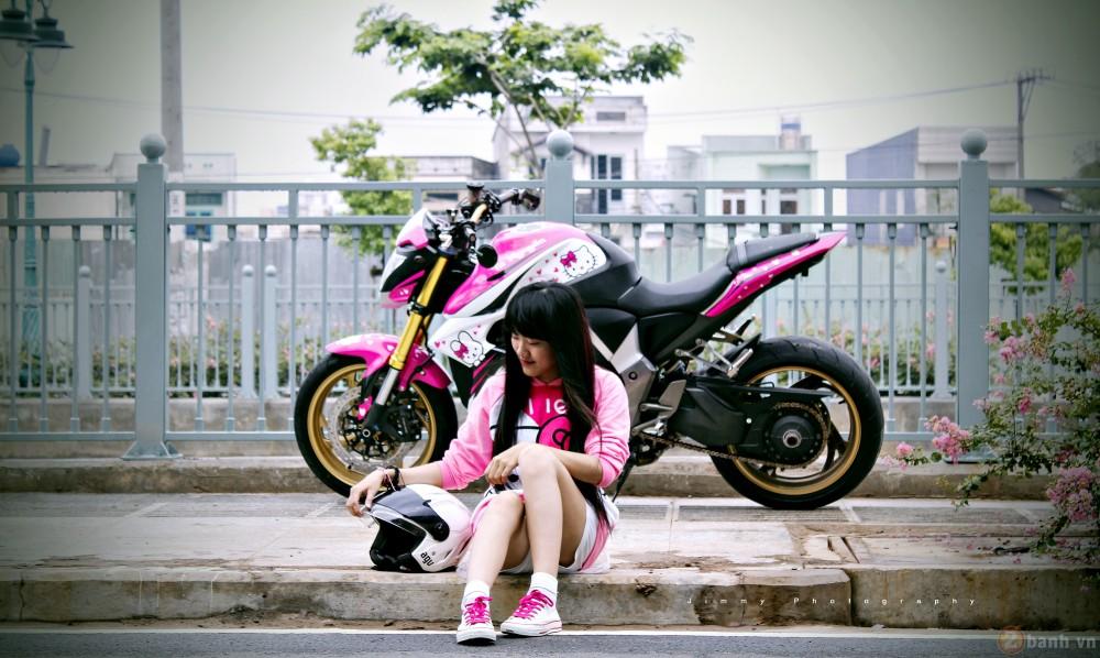 Nu biker tre ben canh CB1000R phien ban Hello Kitty - 7