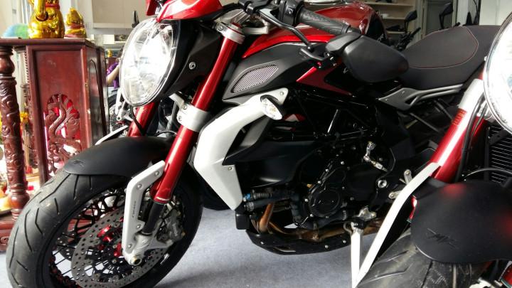 Showroom Moto Ken Sieu Pham Mv Agusta Dragsters 800 Da Cap Ben - 2