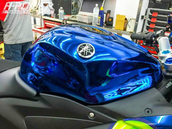 Yamaha R3 do phien ban Crom Movistar voi do choi khung - 6
