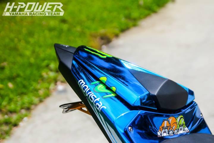 Yamaha R3 do phien ban Crom Movistar voi do choi khung - 12