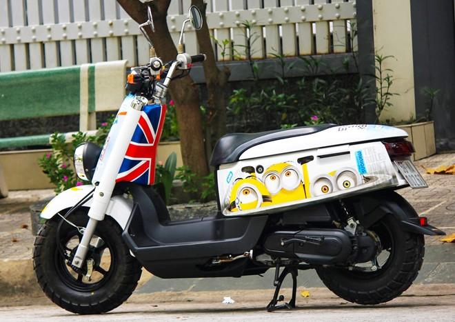 Yamaha VOX 50 phan khoi ve tem dau phong cach Minions - 5