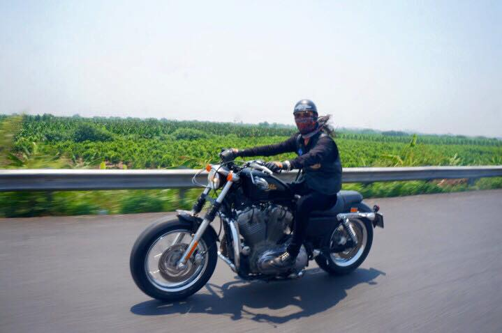 Ban Harley Davidson XL883L 2009 HQCN sang ten chuyen vung chinh chu xe con 1 tay lai zin 1 cap po
