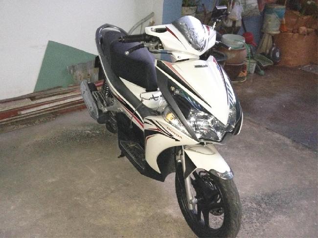 Ban xe Honda Airblade FI trang xam 2012