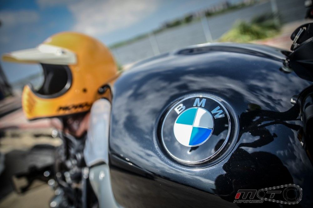 BMW R Nine T voi phien ban do Tracker chat lu - 8
