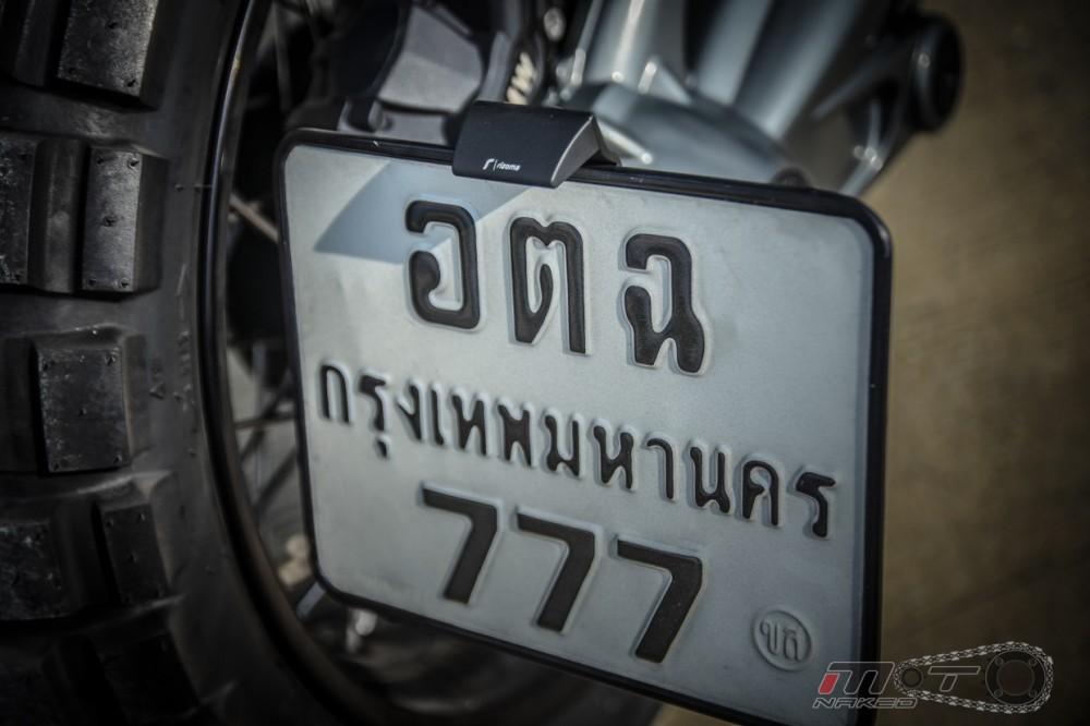 BMW R Nine T voi phien ban do Tracker chat lu - 22