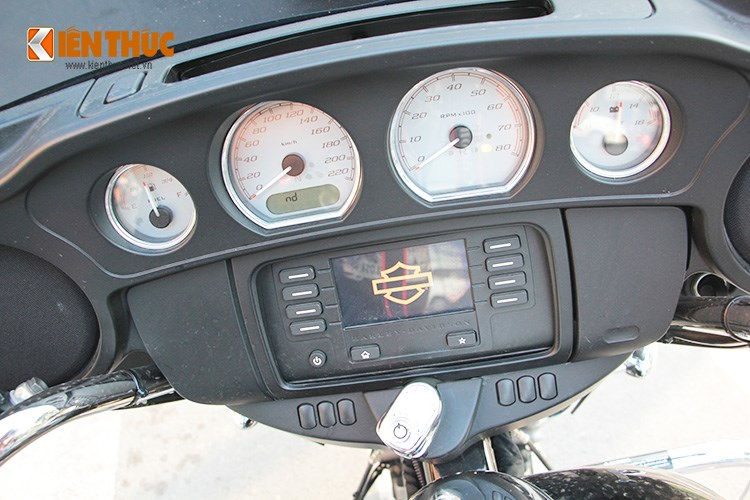 Can canh HarleyDavidson Street Glide gia 11 ty tren pho Sai Thanh - 4