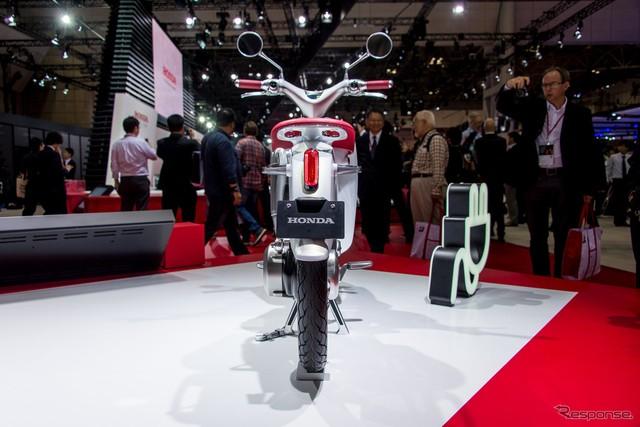 Can canh Honda EV Cub bang xuong bang thit - 3