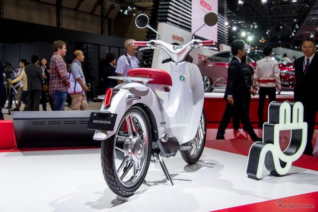 Can canh Honda EV Cub bang xuong bang thit - 4