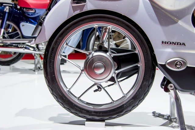 Can canh Honda EV Cub bang xuong bang thit - 8
