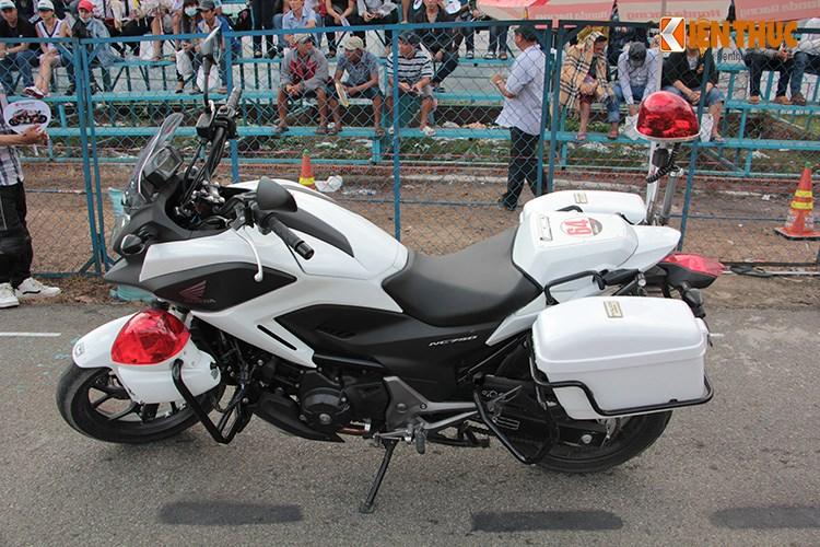 Can canh Honda NC750 phien ban Police chinh hang tai Viet Nam