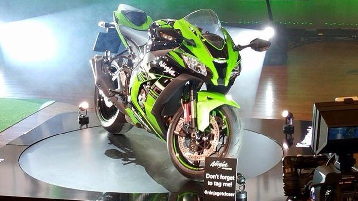 Clip Can canh Kawasaki Ninja ZX10R 2016 tai su kien ra mat