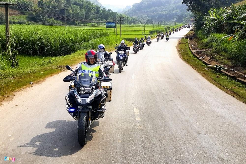 Dan sieu moto chinh phuc dinh deo Tay Bac - 12