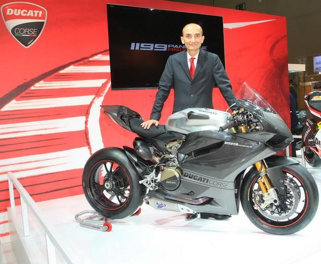 Ducati 1199 Panigale RS13 chiec xe dua tren duong pho