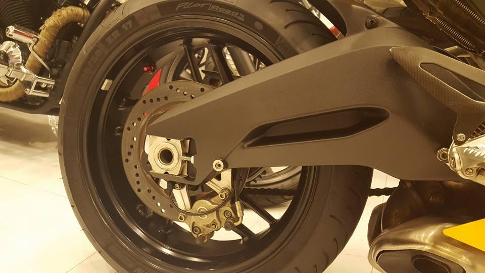 Ducati 899 Panigale vang sac so - 4