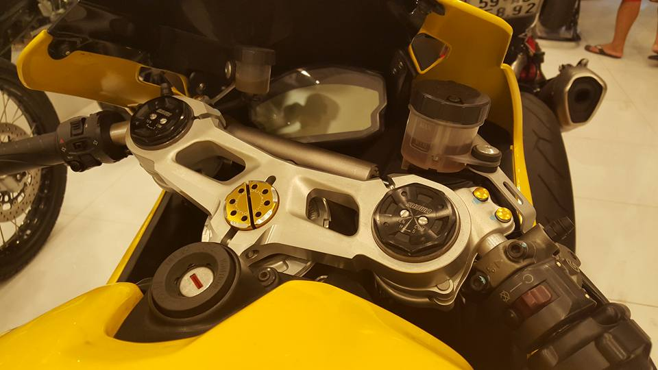 Ducati 899 Panigale vang sac so - 9