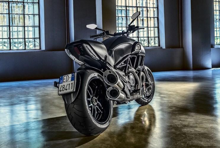 Ducati Diavel Carbon 2016 se dinh hon gap boi phan doi cu - 3