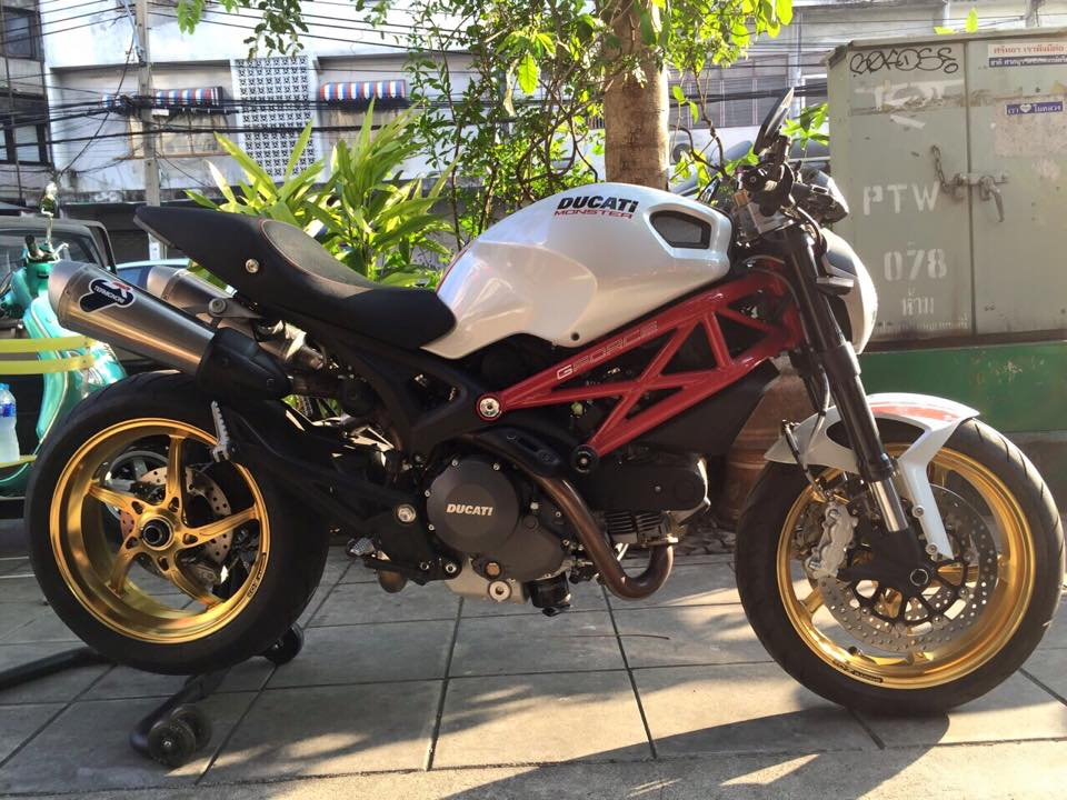 Ducati Monster 796 do cuc chat tu GForce