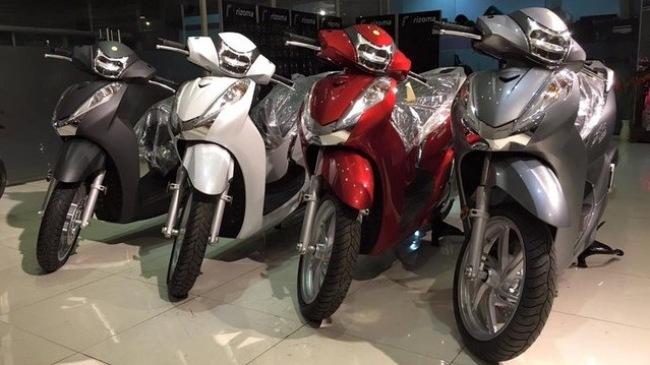 Hang loat Honda SH300i 2016 ve Viet Nam voi gia 325 trieu dong