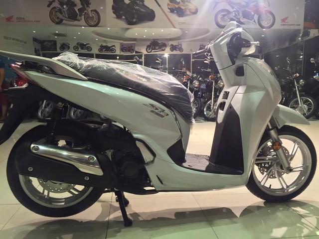 Hang loat Honda SH300i 2016 ve Viet Nam voi gia 325 trieu dong - 4