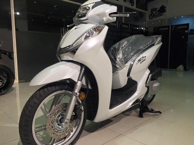Hang loat Honda SH300i 2016 ve Viet Nam voi gia 325 trieu dong - 6