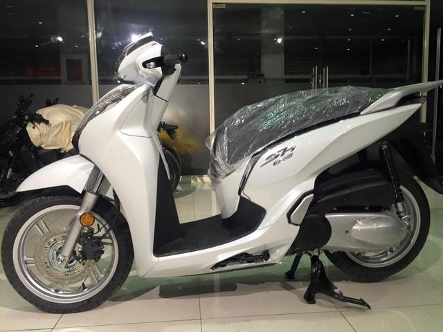 Hang loat Honda SH300i 2016 ve Viet Nam voi gia 325 trieu dong - 7