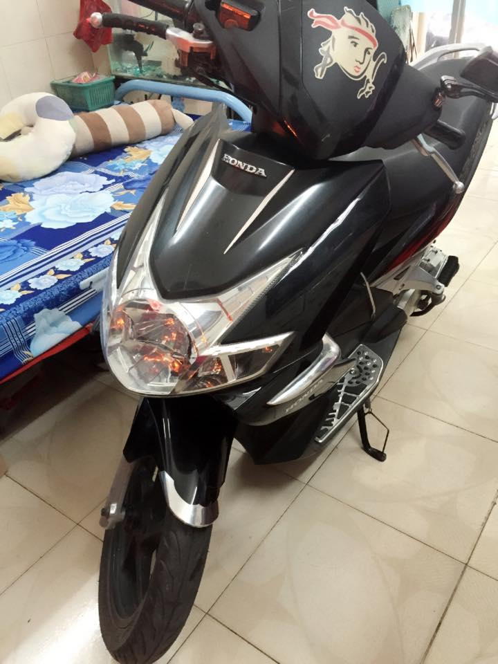 Honda airblade 110 mau den ngya chu su dung - 3