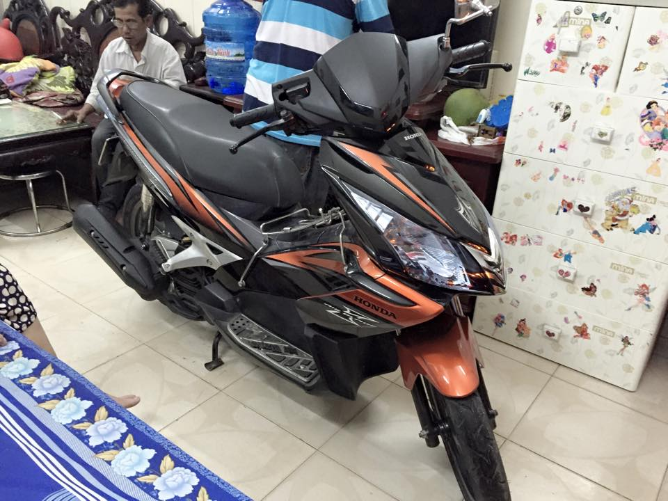 Honda airblade fi thai den cam con dan keo