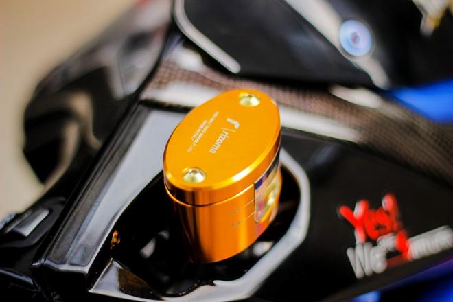 Honda AirBlade len do choi khung cua biker Sai Gon - 5