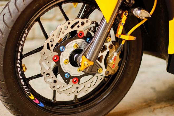 Honda AirBlade len do choi khung cua biker Sai Gon - 8