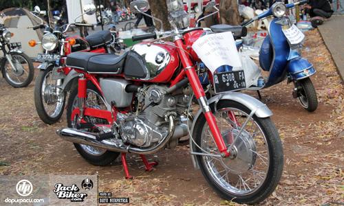 Honda CB72 xe co hang hiem o Indonesia gia 11000 USD