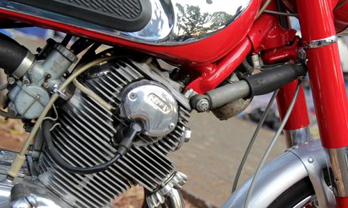 Honda CB72 xe co hang hiem o Indonesia gia 11000 USD - 10