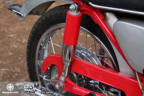 Honda CB72 xe co hang hiem o Indonesia gia 11000 USD - 12