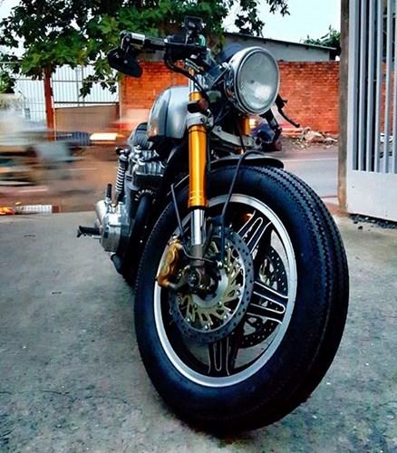 Honda CB750 cafe racer do cuc chat qua ban tay tho Viet - 3