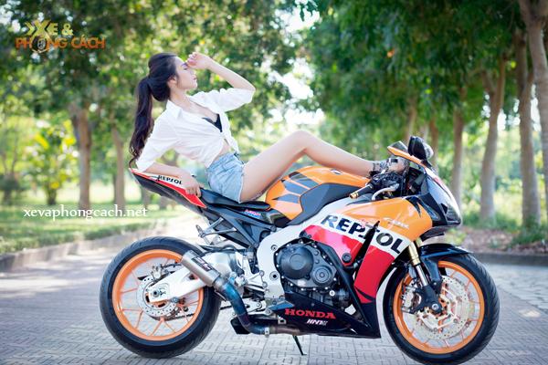 Honda CBR1000RR Repsol day phong cach ben chan dai goi cam - 11