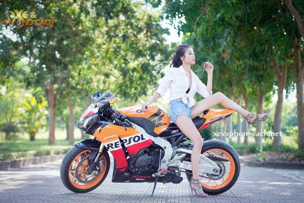 Honda CBR1000RR Repsol day phong cach ben chan dai goi cam - 14