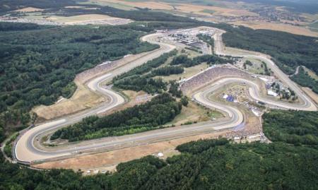 Jorge Lorenzo lap ky luc moi tai Automotodrom Brno Sec - 2