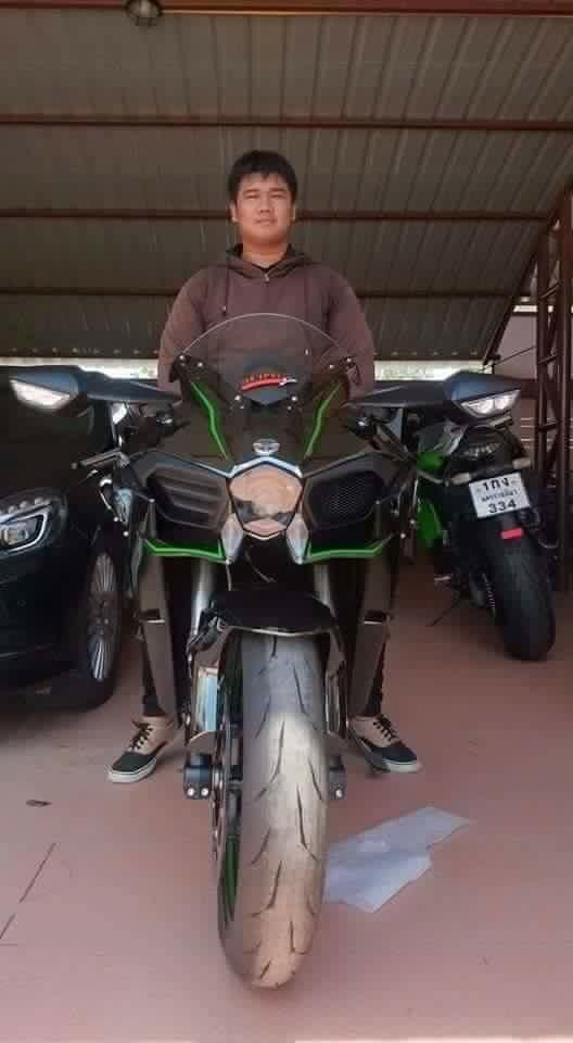 Kawasaki Ninja H2 tan tanh khi bi va cham o toc do cao - 4