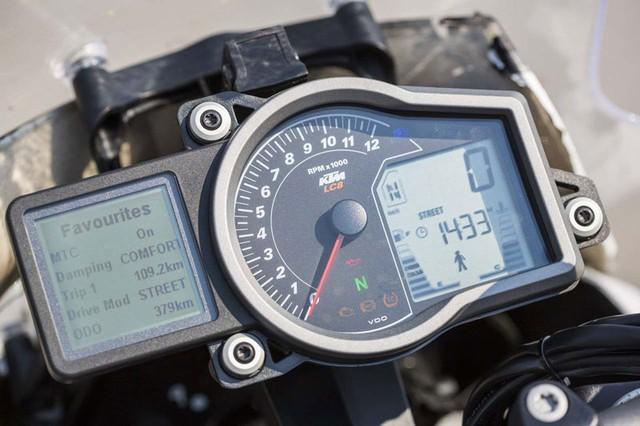 KTM 1290 Super Duke GT Xe touring tran ngap cong nghe hien dai - 6