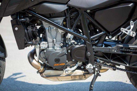 KTM 690 Duke 2016 lo dien voi dong co duoc nang cap - 2